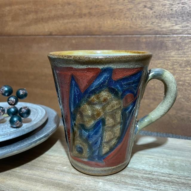 赤絵魚紋 ビアカップ手付