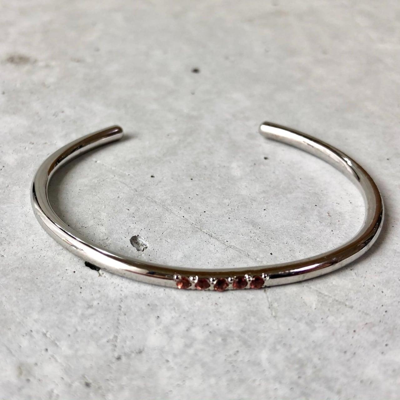【LB-7BR】Five stone bangle BK Sapphire ×G Cinnamon garnet ×S <再入荷>