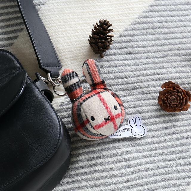 【BON TON TOYS】 Miffy Bag Hanger 10cm Red/Cream (バッグチャーム)   【10/25発売】