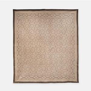 S009 SHIPIBO TEXTILES シピボ族の泥染めの布 グレーフチ縫い 1400×1550mm