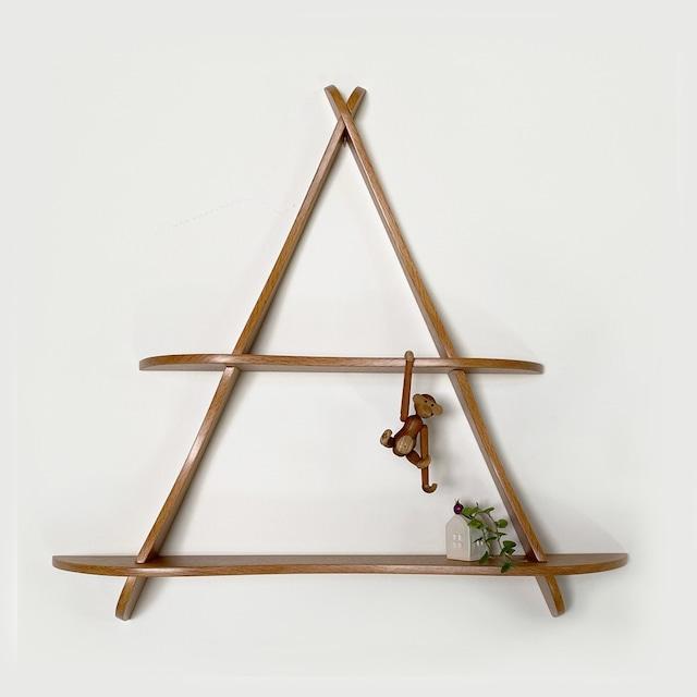 Triangle wall shelf in Oak / WS033