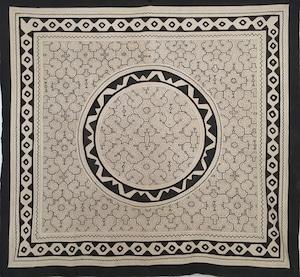 大判 23 白 150x140cm AAA アマゾン シピボ族の泥染め布 円とギザギザ