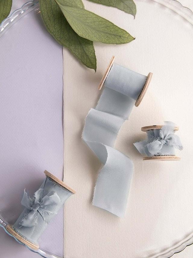 Silk Ribbon  Dusty Blue(手染め手裂きタイプ) ■木製スプール付 ダスティブルー