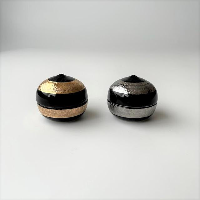 【有田焼】黒釉栗型珍味入(金彩/銀彩)