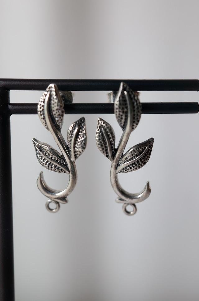 Staring Silver Earrings -002