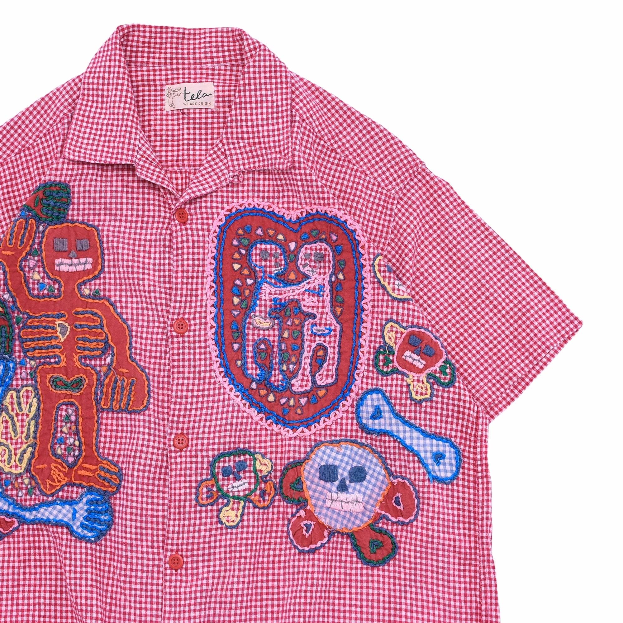 Applique design gingham check open collar shirt