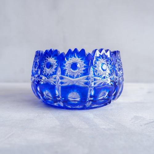 青い切子の灰皿