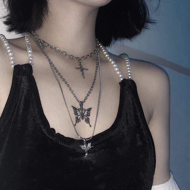《即納》十字架+パピヨン+エンジェル装飾ネックレス