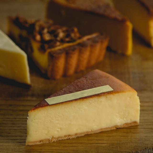 カット:プレーンなベイクチーズ