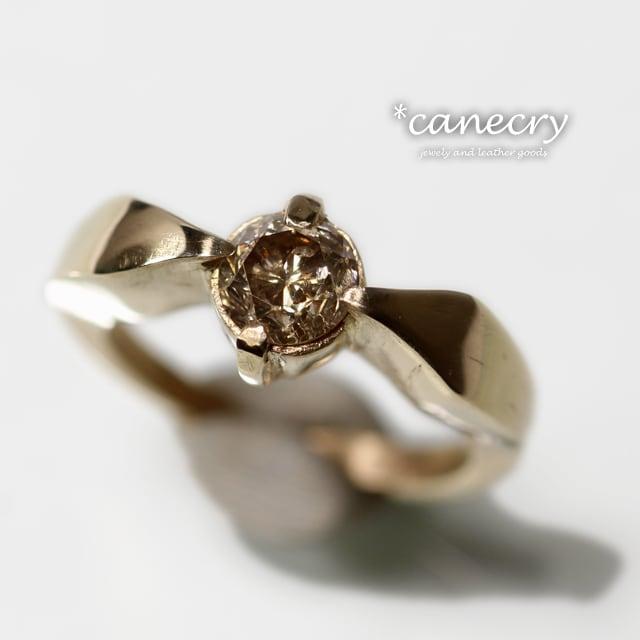 ブラウン・ダイヤモンドのリング