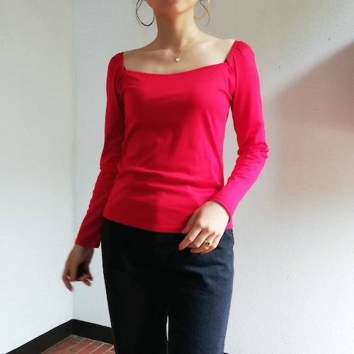 MEYAME (SQUARE NECK BLOUSE)