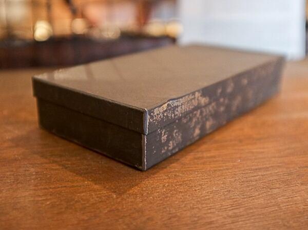 古い鉄の箱 (No.30374)
