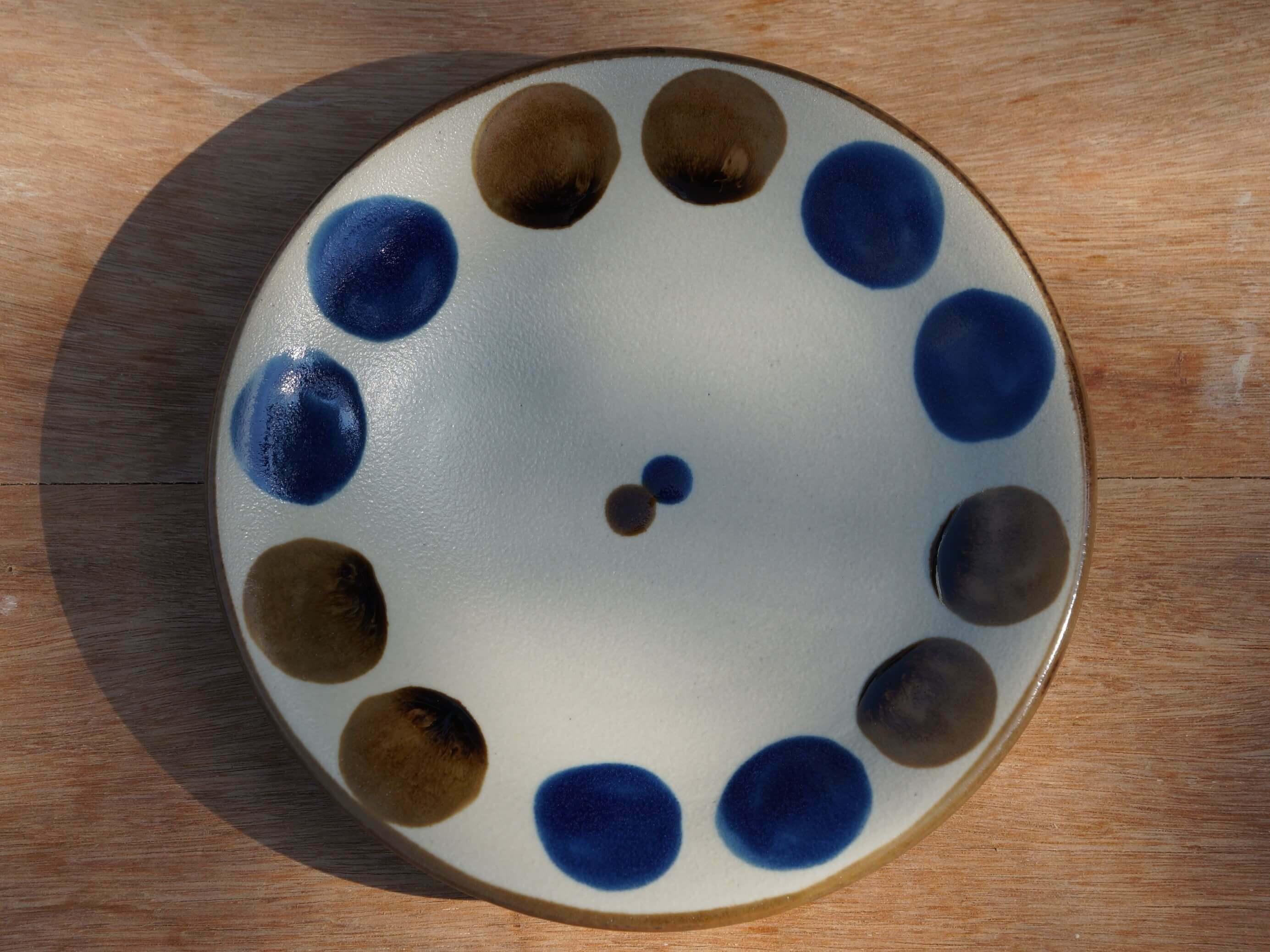 コバルトが鮮やかな5寸皿(約15cm)  【ヤチムン大城工房】