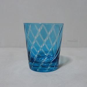 青い螺旋の切子グラス