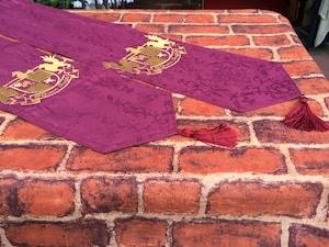 西洋のお城風ペナントペアセット 展示会の演出に 刺繍オーダー製作品 キャラ縫い®シリーズ品