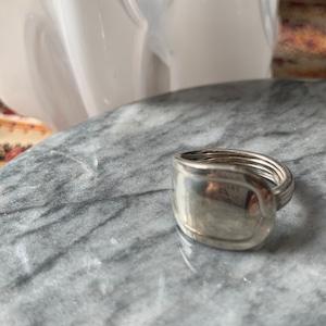 Cartier スプーンリング