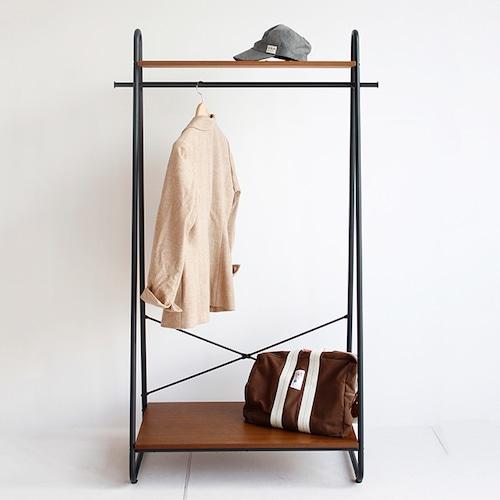 古着屋さん風ハンガーラック。木製棚とスチールフレームの個性派A型スタイルです。