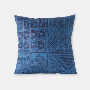 ナイジェリア ヨルバ族の藍染布 アディレ・エレコのクッションカバー SL045