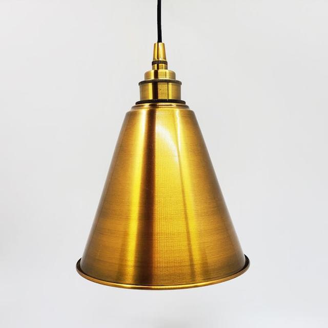 ゴールドのペンダントライト