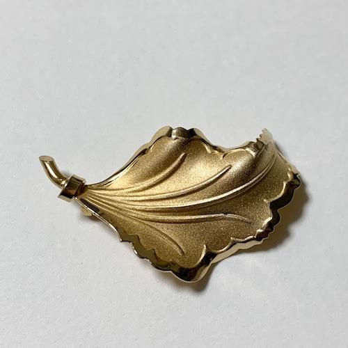 Vintage Bond Boyd Gold Plated Sterling Leaf Shaped Blooch