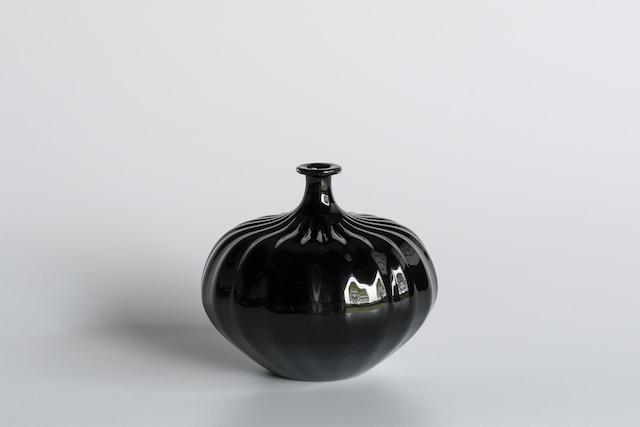 decorative vase no.2 / qualia-glassworks