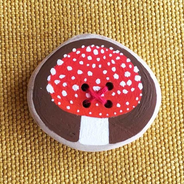 【富良野 森の贈り物】森のきのこの飾りボタン1