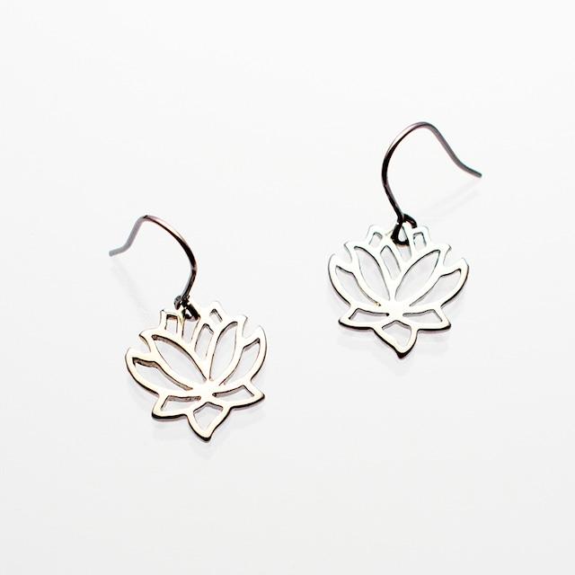 ピアス ミニロータス Piearced Earrings Mini Lotus