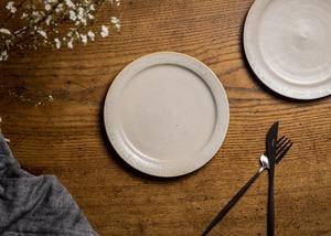 白化粧にリム線刻 6寸 プレート(リムプレート・中皿・19cm皿)/鈴木美佳子