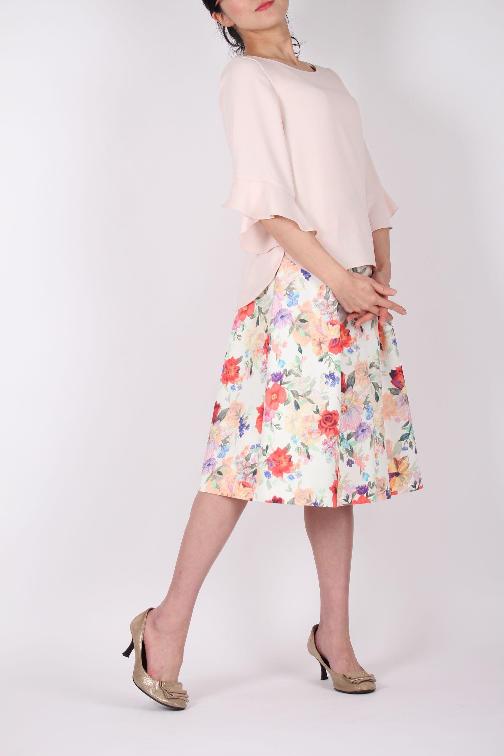 ロマンチックな花柄スカート