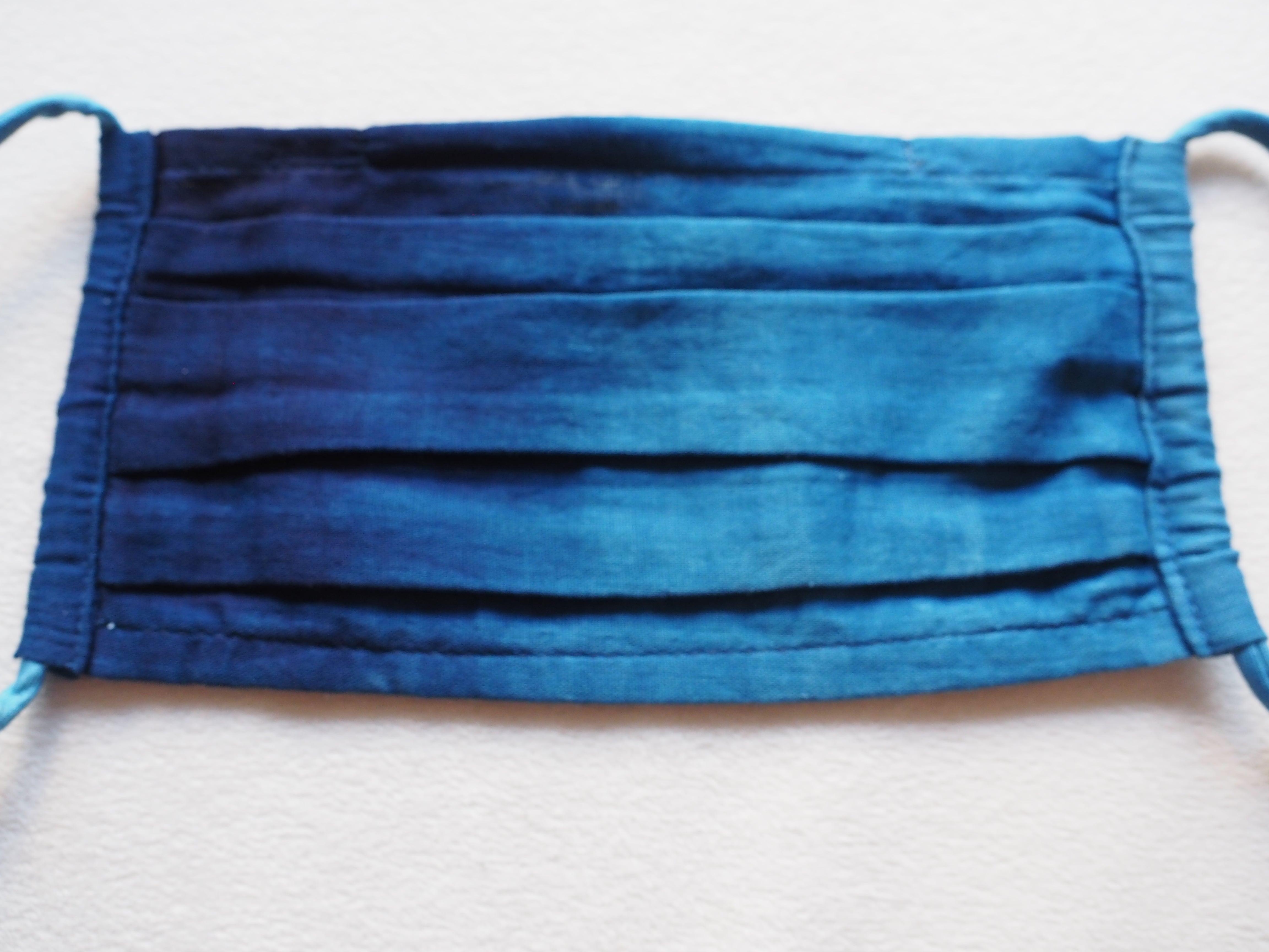 藍染め薄型ガーゼ 納涼プリーツマスク(横グラデーション)