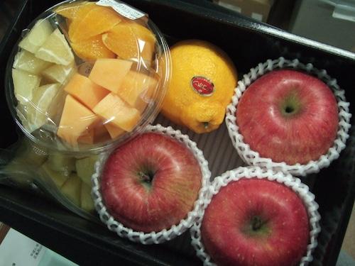 [定期便]カットフルーツが入ったフルーツボックス 小