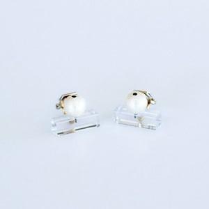 Sur (サー) earrings (イヤリング) 【長方形Aクリア+パール】