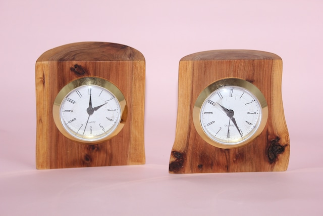 日光杉並木『樹になる時計』 (クオーツ式置時計)