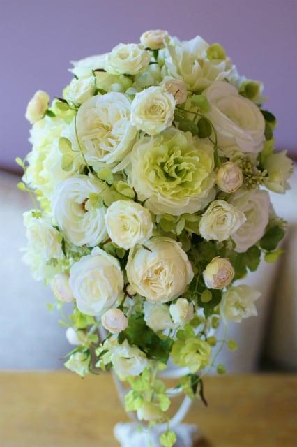 幸せな花嫁★ブライダルホワイトグリーンブーケ・ティアドロップ