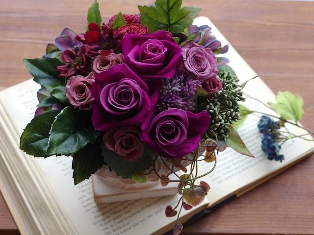紫のバラをぎゅっと!エレガント+豪華なアレンジ