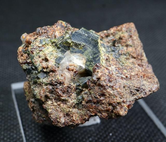 自主採掘!エピドート + ガーネット 緑簾石 カリフォルニア産 59,7g EPD005  鉱物 天然石 パワーストーン 原石