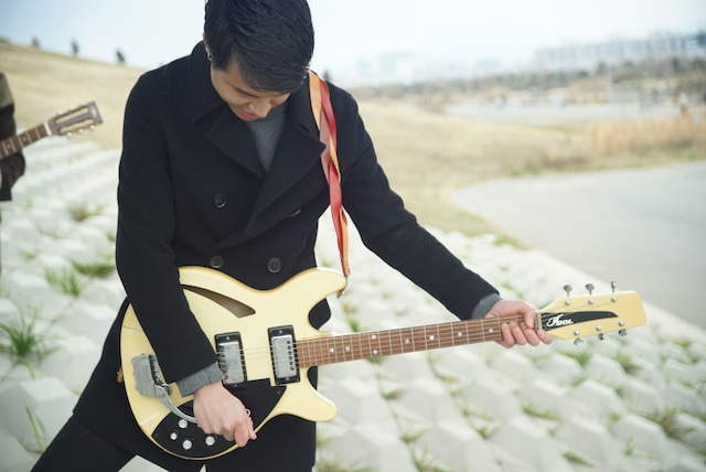 Triad 【程よい主張の三つ編みギターストラップ 】