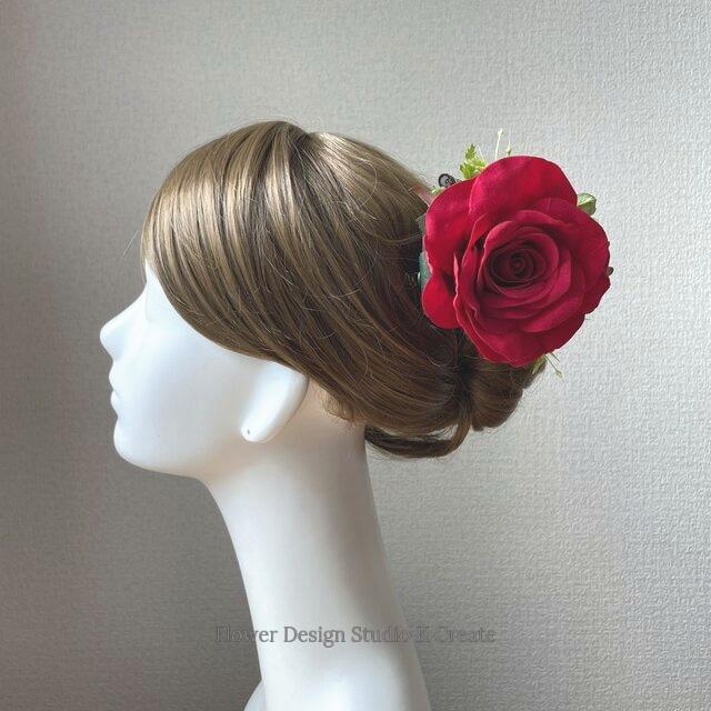 赤い薔薇とグリン紫陽花の髪飾り フローレス レッド フラメンコ ヘアクリップ