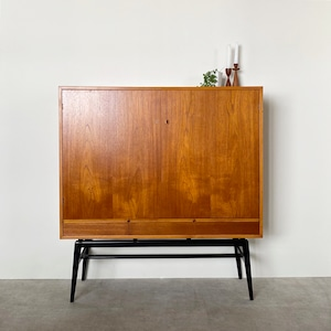 Cabinet with drawers / CS021