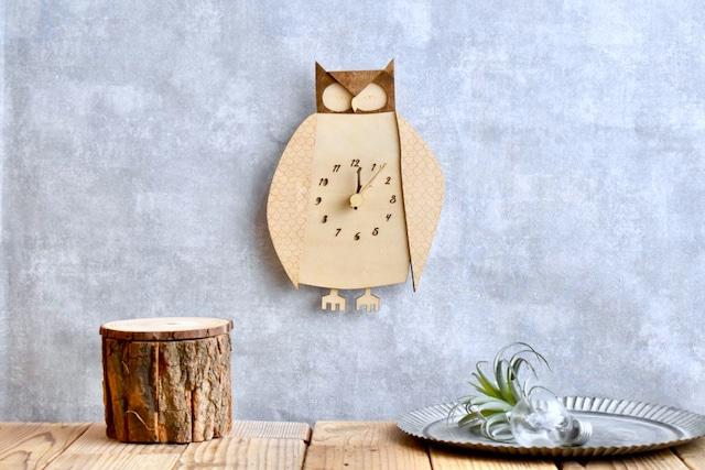 荘厳なコノハズクの時計 木製 掛け時計