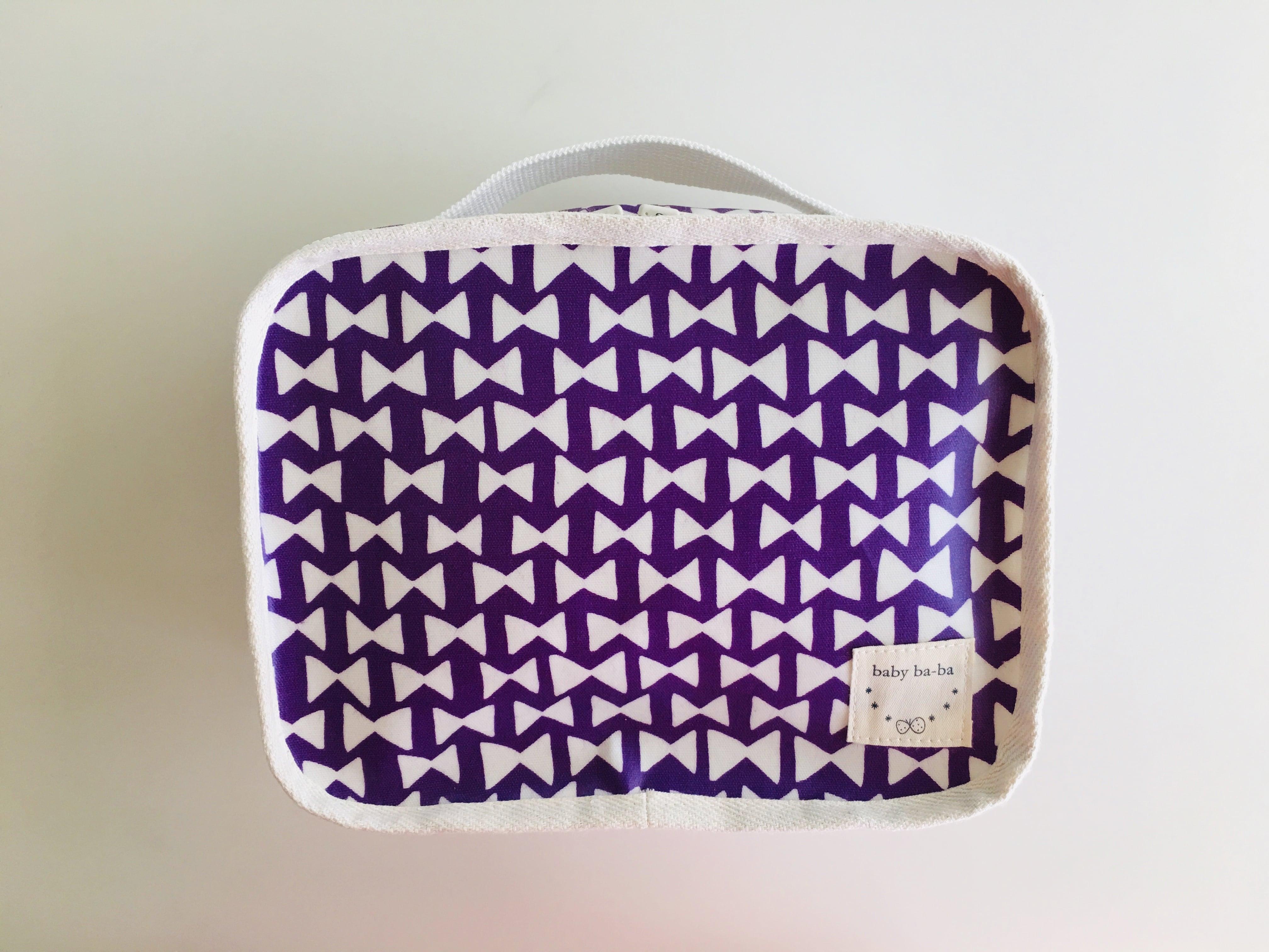 たった95g!軽量おむつポーチ・紫リボン柄