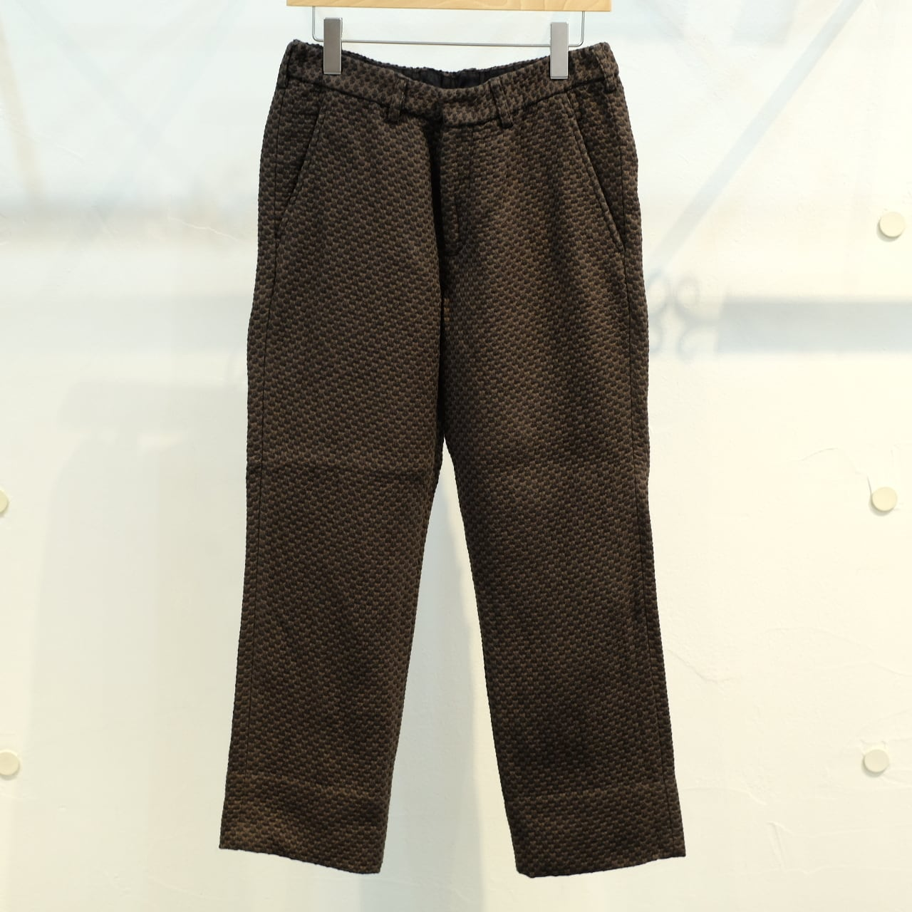 KUON(クオン) 二重十字刺し子織 ロングパンツ 表泥色バージョン