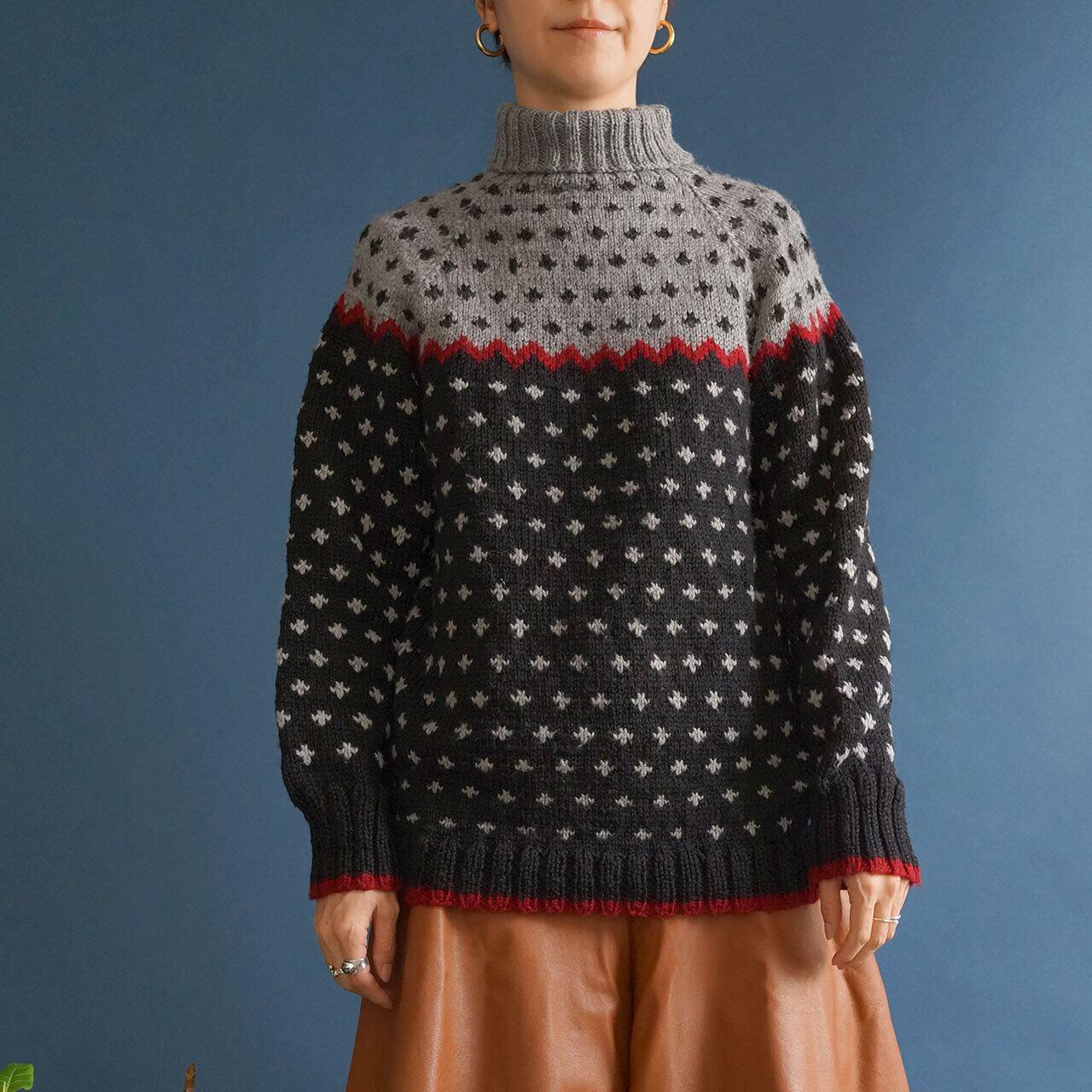 【送料無料】Black Gray Handknitted Vintage Sweater With Burgundy Stripes