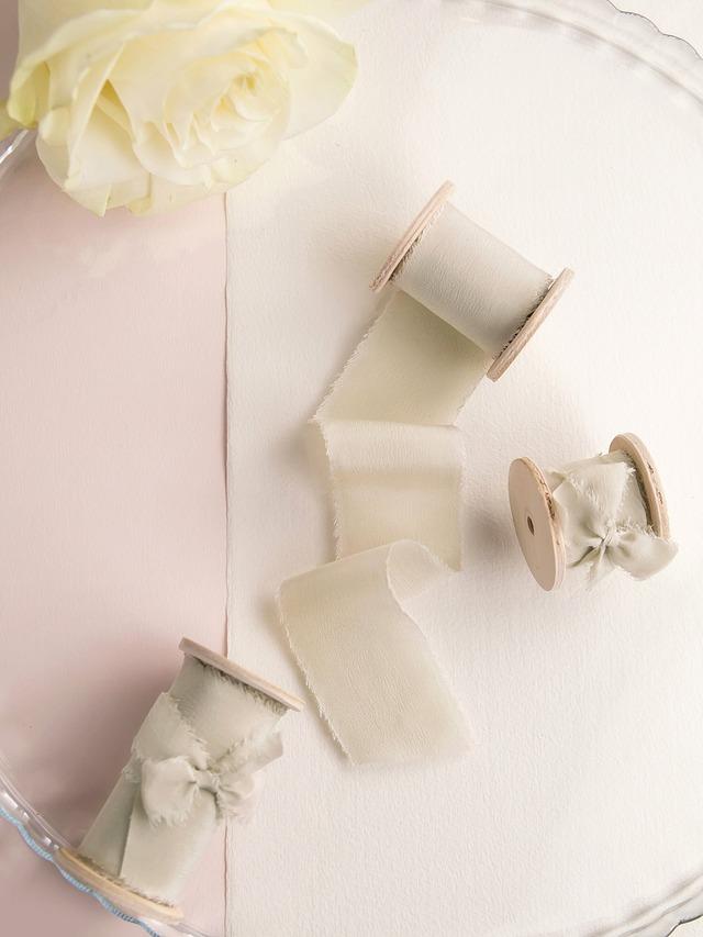 Champagne Silk Ribbon(手染め手裂きタイプ)6m ■木製スプール付 シルクリボン シャンパン