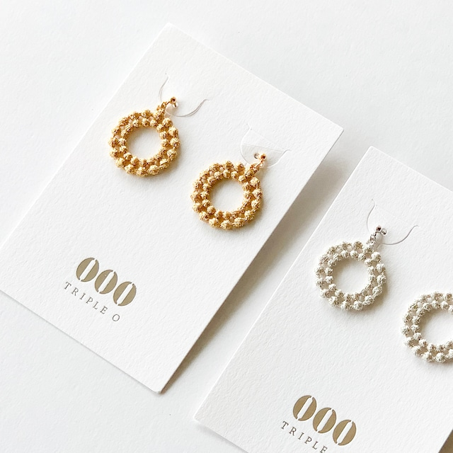 000  トリプル・オゥ - ドイリー ピアス・イヤリング - ゴールド / シルバー