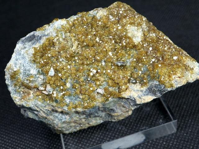 トパゾライト  ガーネット 灰鉄柘榴石 原石 221,4g AND013 鉱物 標本 原石 天然石