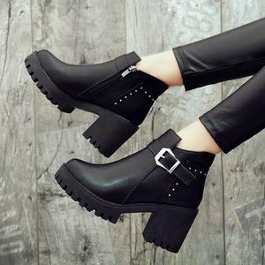 【シューズ】気質満点ファッションレトロ切り替え丸トゥショート丈ブーツ42919672