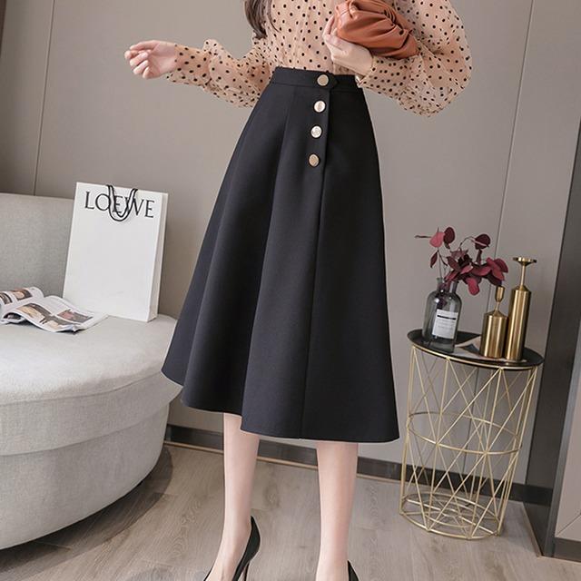 【yurinaさんYouTube着用】メタリックボタンスカート