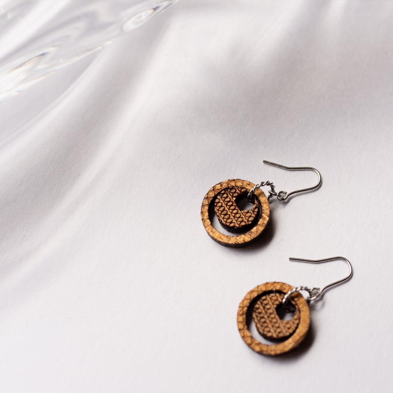 two circles / 二つの円(Pierced Hang)
