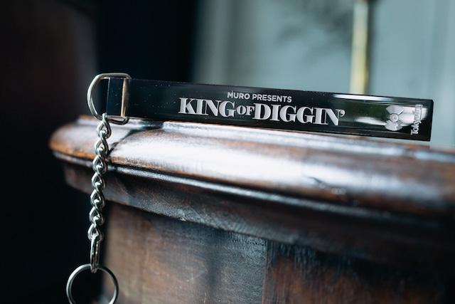 《KING OF DIGGIN'×千代田ホテル 》番組特製アクリルキーホルダー
